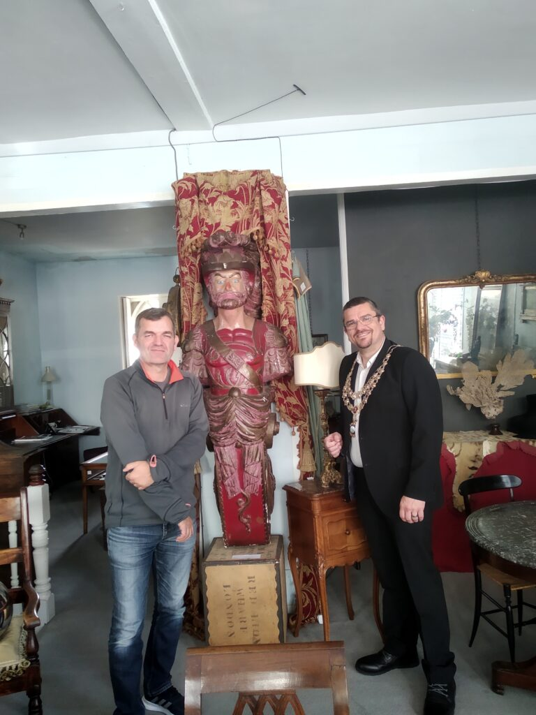 Paraglio and Ayres Antiques and Interiors